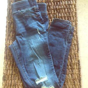 Gently used medium wash distressed rockstar jeans